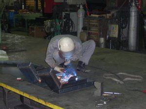 生産事業部 製缶課